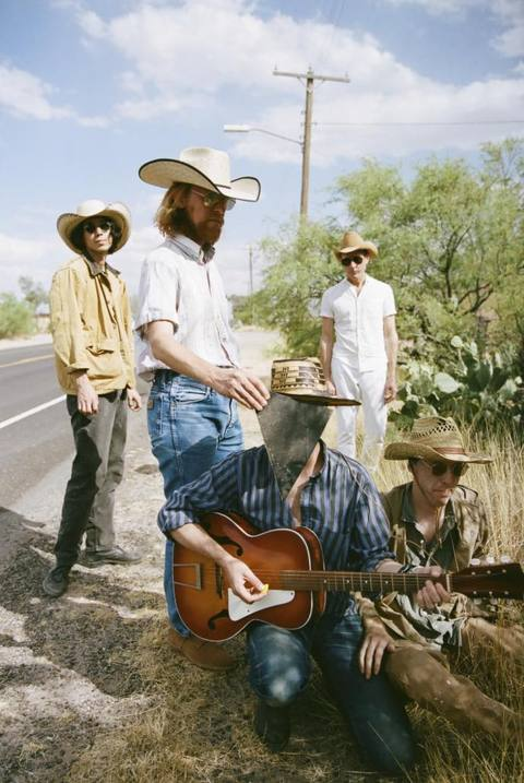 Deerhunter-Announcement-Photo.jpg